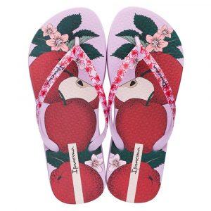 """Sandalia Ipanema de la colección """"ensalada de frutas"""" con estampado de manzanas (26230-25326) de color Lila/Rojo/Rosa"""