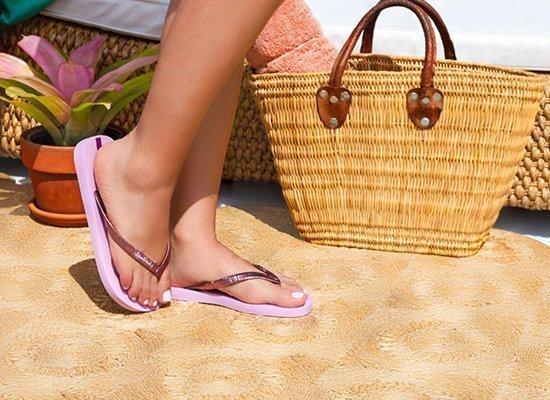 Las sandalias Ipanema se fabrican en Brasil y están esperando por ti.